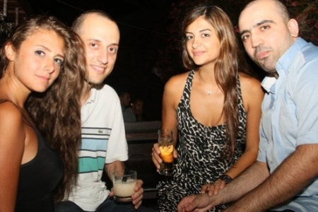 Friday Night at Marvel's Pub, Byblos