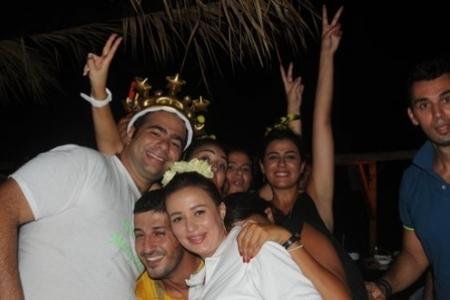Saturday Night at Oasis Pub, Byblos
